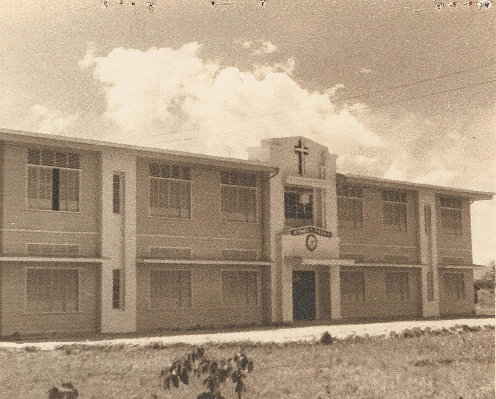 The first building of Ateneo de Davao which stood for almost half a century. Courtesy of Jesuit Archives.